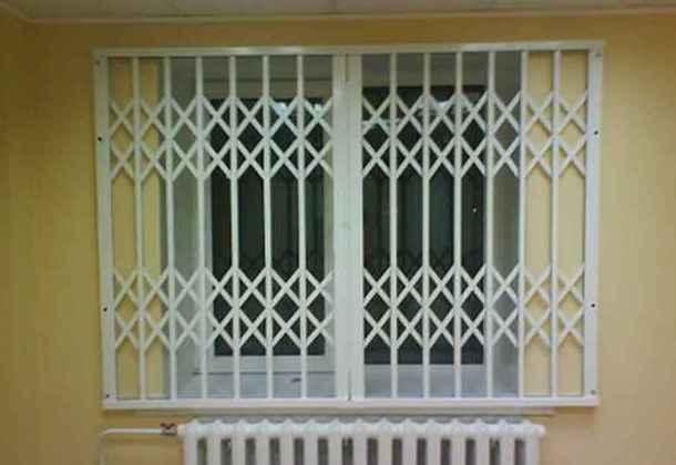 зовнішня розсувна решітка для вікна