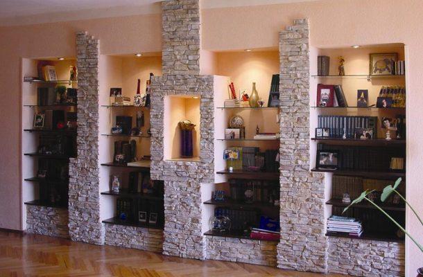 кімната оформленої натуральним каменем фото