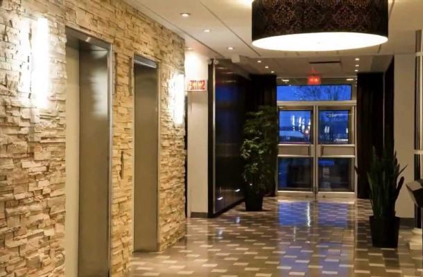 дизайн кімнати з облицюванням з натурального каменя