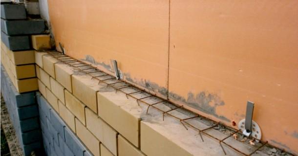 кліплення лицьової цегли до стіни