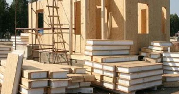 спорудження панельного будинку