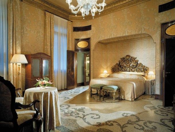 дизайн квартири у венеціанському стилі