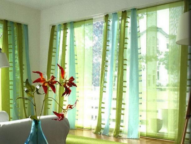 штори для кімнати в японському стилі