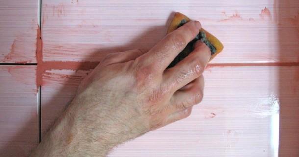 зароблення швів керамічної плитки затеркою