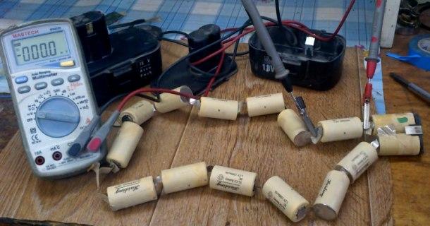 перевірка акумуляторів шурупокрута, пошук несправного елементу