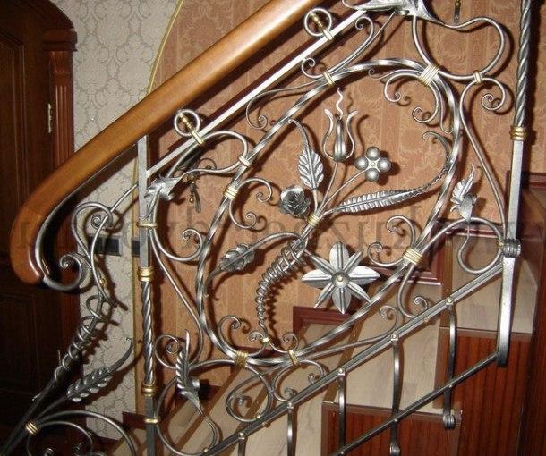 Ковані перила для сходів – різновиди і технології