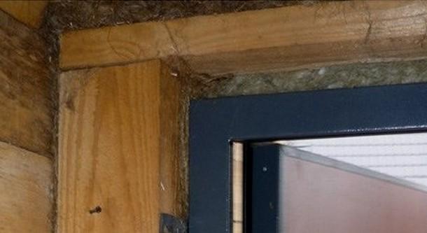 зменшення дверного отвору дерев'яним брусом