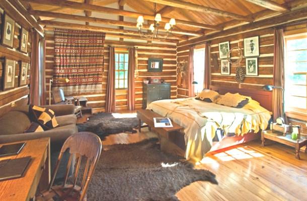 вигляд спальні в стилі кантрі