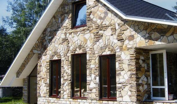 облицювання приватного будинку каменем