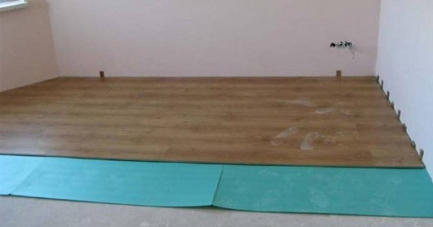 укладка підлоги з ламінату фото