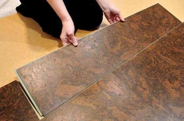 монтаж коркової підлоги у квартирі