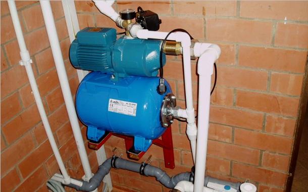 насосна станція для підняття тиску у водопровідній системі