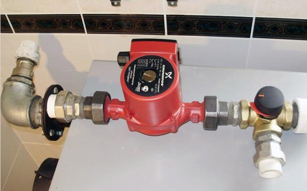 малогабаритний насос для підняття тиску води у квартирі