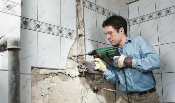 очищення стін від старої плитки