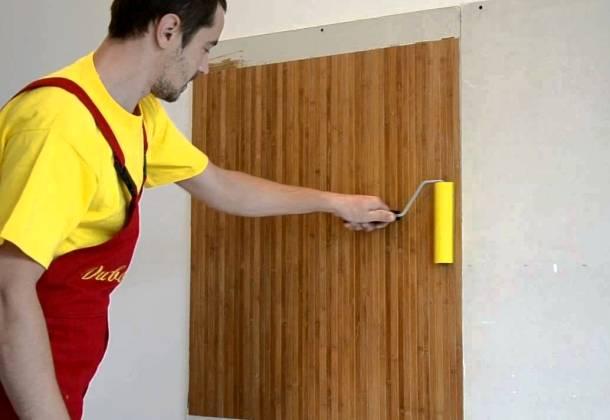 послідовність приклеювання бамбукових шпалер до стіни