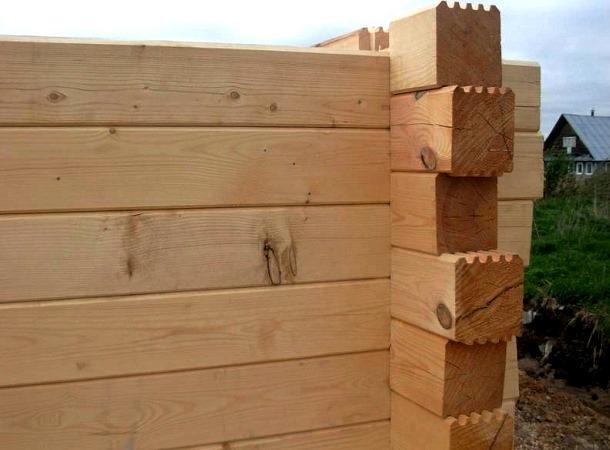 процес будівництва дерев'яного будинку