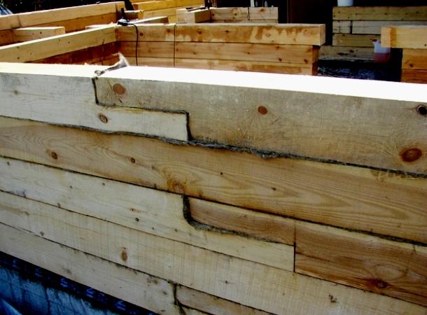 нарощення дерев'яного бруса для стін будинку