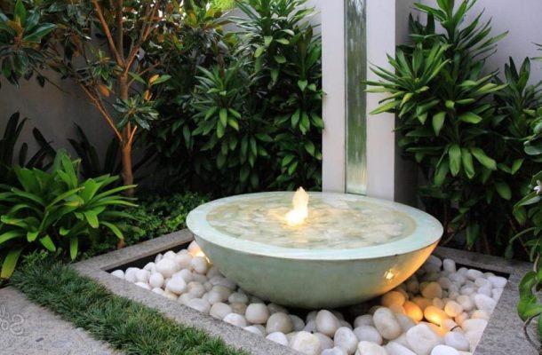 декоративний фонтан у формі чаші